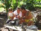 Oscar Yvan et Marc, sculpteur sur Os et pierre